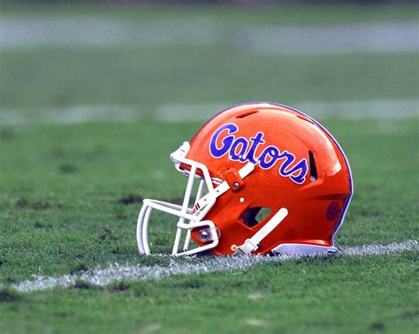 University of Florida Pauses Football After COVID-19 ...