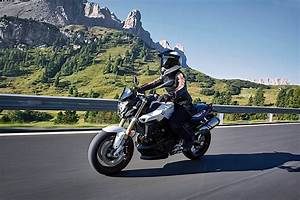 Bmw 800 R : 2017 bmw f 800 r and f 800 gt updated at eicma autoevolution ~ Medecine-chirurgie-esthetiques.com Avis de Voitures