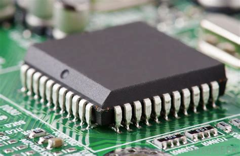 The Integrated Circuit Moore Law Eagle Blog