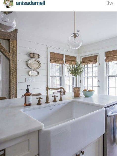kitchens styles and designs a farmhouse sink fabulous farmhouses 6597