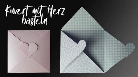kuvert mit herz verschluss basteln briefumschlag basteln