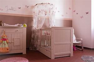 modele deco chambre bebe fille visuel 4 With photo chambre bebe fille