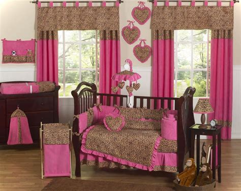 Girl Room Decorating Ideas Brown And Pink