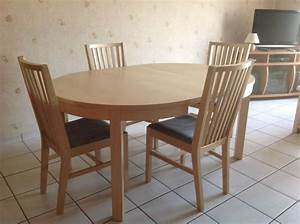 Table ronde extensible ikea amazing stunning affordable for Salle À manger contemporaineavec table de salle a manger ronde en bois