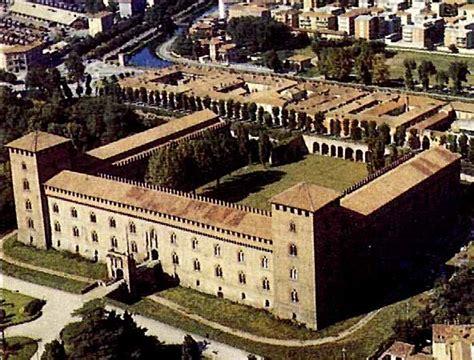 Biblioteca Petrarca Pavia by Pavia