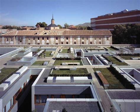 Alcalá De Henares Parador, Madrid Building  Earchitect. Hotel Alameda De La 10. Flamingo Lodge. Nomads Coral Grand, Koh Tao. Aparthotel Polaris Inn. Hotel Park. Casa Da Montanha Hotel. Little Paris Resort. Apartments Nives