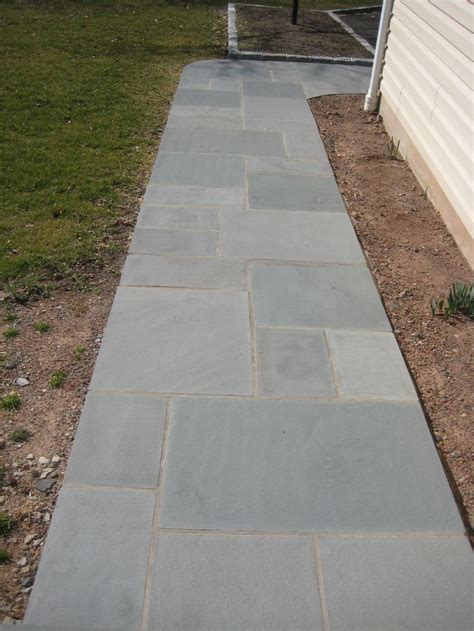 bluestone walkway patterns best 25 bluestone pavers ideas on pinterest pavers patio outdoor pavers and tile patio floor