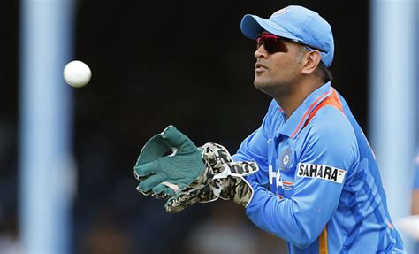 Ms Dhoni Photos & Wallpapers,ms Dhoni Hd Pictures
