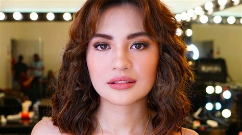 julie anne san jose new hairstyle julie anne san jose has a curly lob hairstyle cosmo ph
