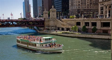 Chicago River Boat Cocktail Cruise by Chicago S Leading Cfl
