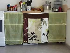 Rideau Pour Placard : des portes en tissu pour les placards de la cuisine le blog de la construction de daniel ~ Teatrodelosmanantiales.com Idées de Décoration