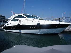 2010 Cruisers Yachts 520 Sports Coupe Power Boat For Sale
