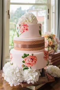 Naked or Iced Wedding Cakes | Oakhouse Photography