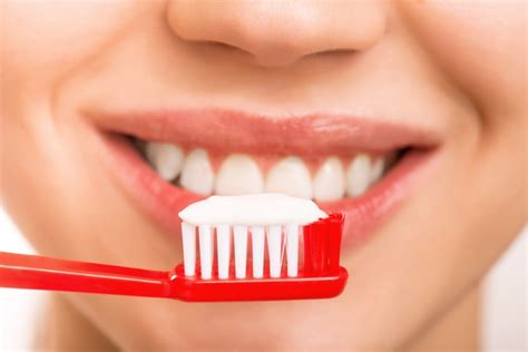 Smile With Sensé Natural Whitening Toothpaste