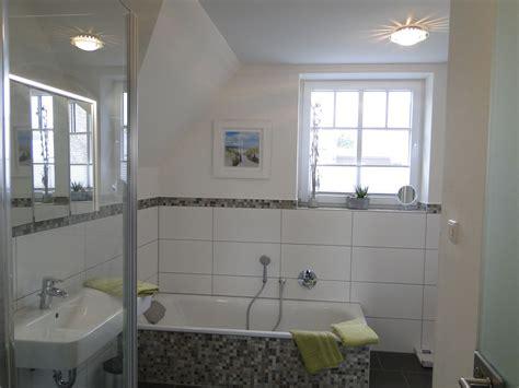 Moderne Badezimmer Mit Dusche Und Badewanne by Ferienwohnung Fiete S Hafenblick Kappeln Stadt Firma