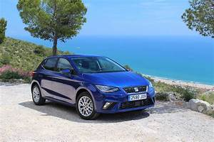 Seat Ibiza Bleu : essai video seat ibiza 2017 la remontada ~ Gottalentnigeria.com Avis de Voitures