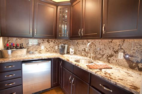 kitchen with backsplash best 20 kitchen countertops and backsplash ideas
