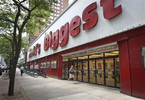 worlds biggest bookstore closes february sold