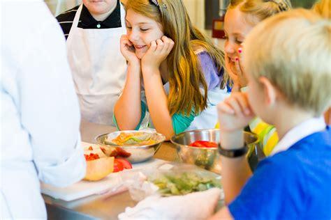 cours cuisine pour enfants les cours de cuisine un moment magique pour de petits