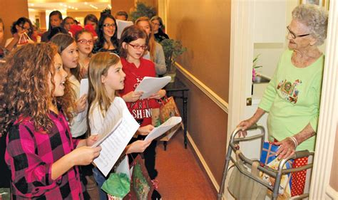 christmas nursing home students bring cheer to nursing homes news tahlequahdailypress