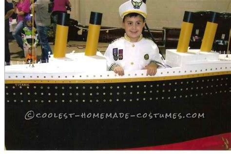 Titanic Boat Costume by Captain Of The Unsinkable Titanic Costume Boats