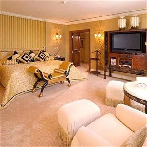 le canapé le plus cher du monde le classement des hôtels les plus chers du monde les
