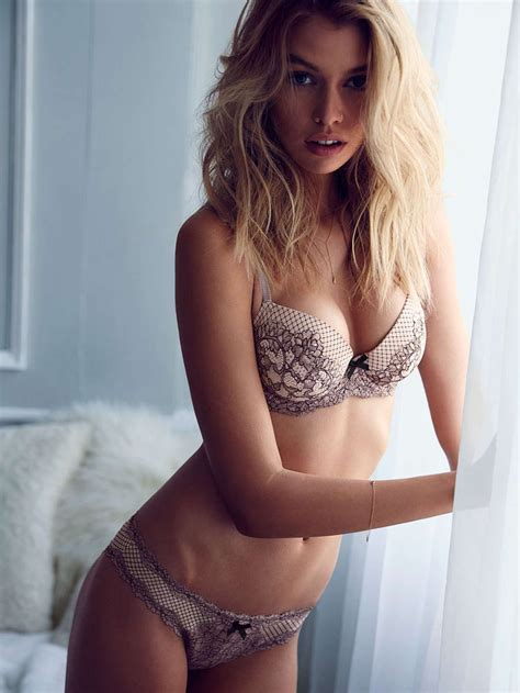 Stella Maxwell In Lingerie 26 Photos Thefappening