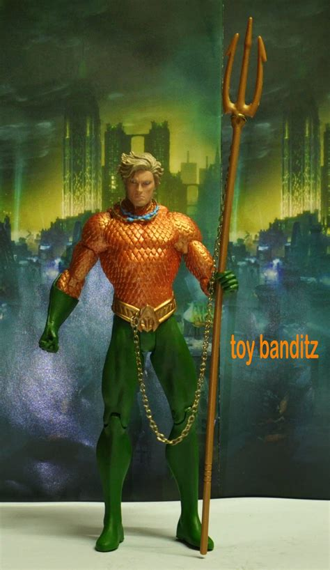 toy banditz aquaman    dc collectibles