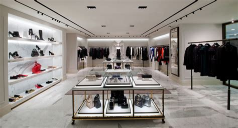 mcqueen square black mcqueen unveils its hong kong flagship at