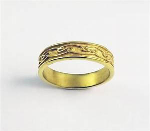 Timeless bond of love immortalized by irish wedding bands for Traditional irish wedding rings