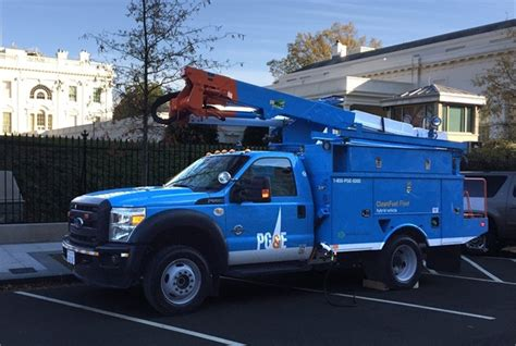 Pg E utilities increase commitment  electric vehicles 640 x 430 · jpeg