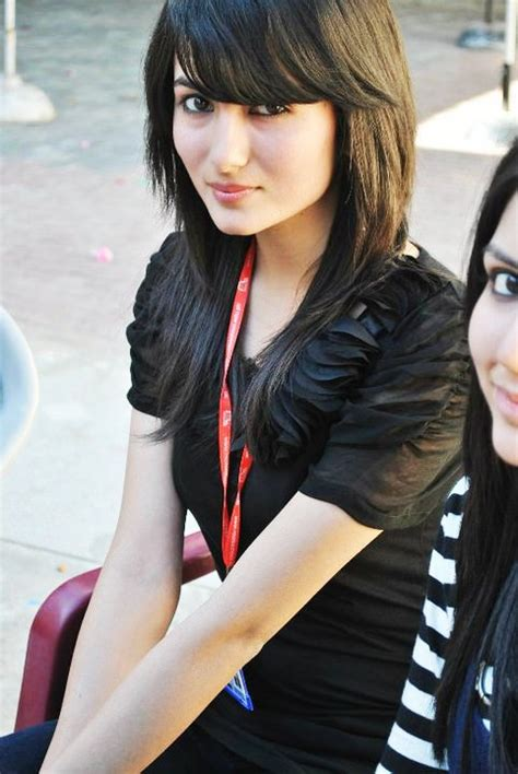 pakistani college girls pictures ~ indian actresses
