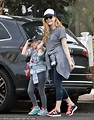 Amy Adams enjoys a hike with daughter Aviana in LA | Daily ...