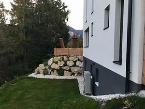 Zaun Schräg Setzen : zaun auf wurfsteinmauer setzen gartenforum auf ~ Eleganceandgraceweddings.com Haus und Dekorationen