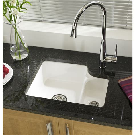 best undermount kitchen sinks 17 best images about sinks on pinterest undermount kitchen