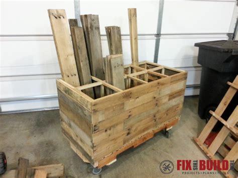Diy Pallet Wood Storage Rack