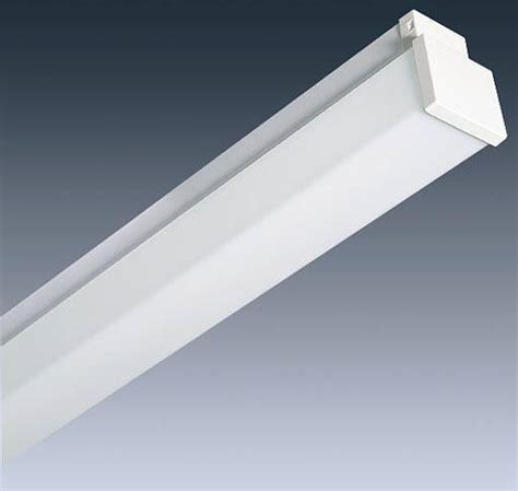 fluorescent l fitting 5ft 58w fluorescent fitting l p f with prismatic diffuser