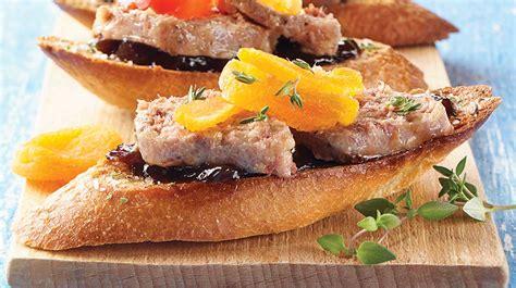 au pied de cochon duck foie gras rillette canapés iga