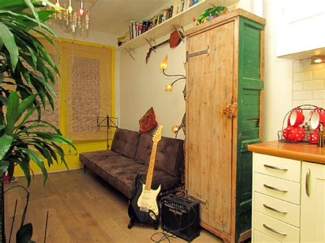 Cheap Appartments In Amsterdam by A Third Floor Budget Studio Apartment In A Great Central
