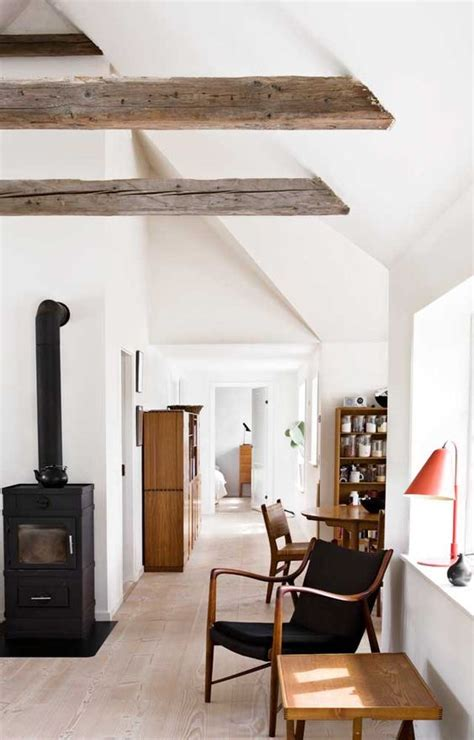 travi in legno per soffitto travi in legno a vista per una casa con il soffitto arreda