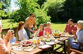4 Tips for Keeping Family Reunions Fun and Drama-Free | Amendo