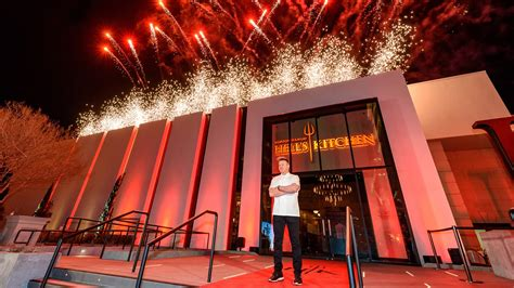 gordon ramsay hell s kitchen restaurant hell s kitchen restaurant opens at caesars palace travel