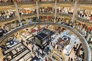 Magasin Audio Paris : people shopping in luxury lafayette department store of paris france editorial stock photo ~ Medecine-chirurgie-esthetiques.com Avis de Voitures