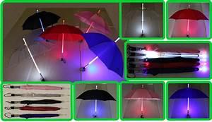 Regenschirm Mit Licht : regenschirm mit led 5 farben rot pink blau schwarz ~ Kayakingforconservation.com Haus und Dekorationen