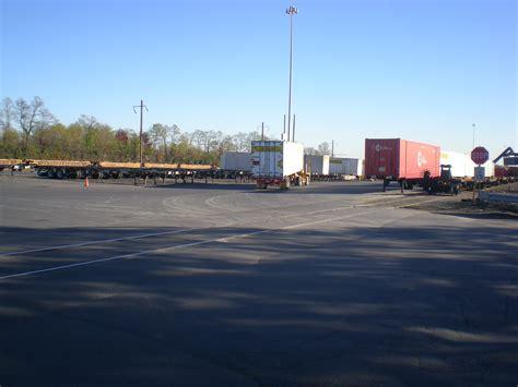 jb hunt intermodal trucking facility