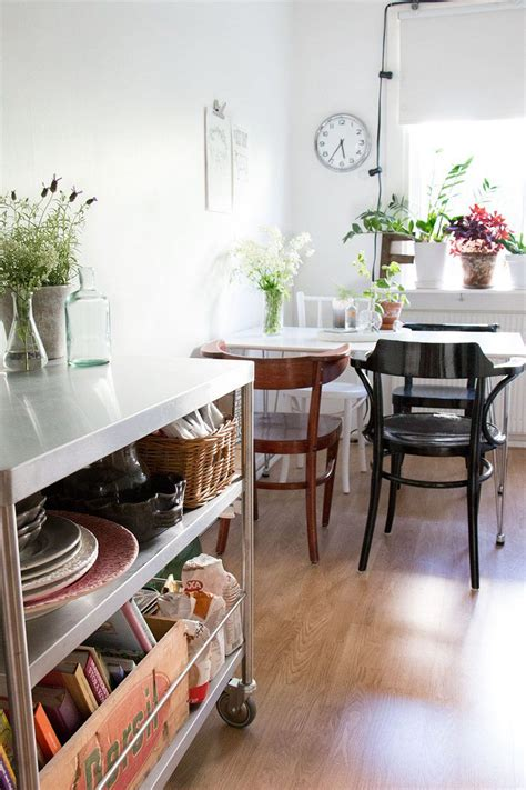 Esszimmer Le Scandi by Home Tour Small Scandi Style In Gothenburg