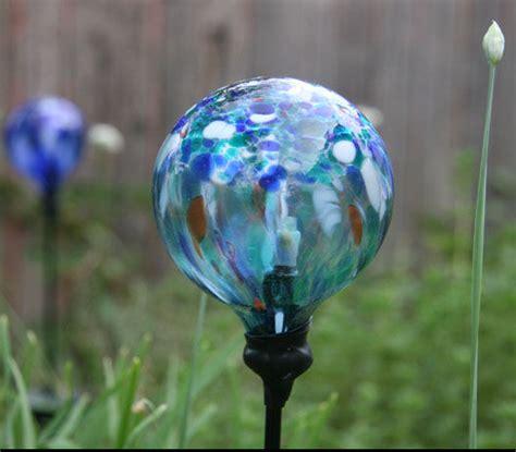 replace a broken glass globe on a solar powered garden light