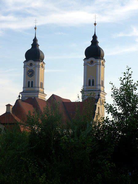 kloster roggenburg seine zwei tuerme praegen die region