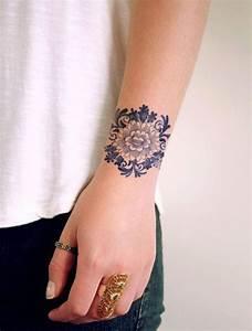 Tatouage Trait Bras : 20 id es de tatouages fleuris rep r s sur pinterest vanity fair ~ Melissatoandfro.com Idées de Décoration