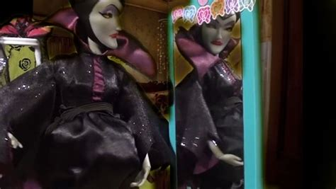 maleficent pregnant  birth descendants mal anna